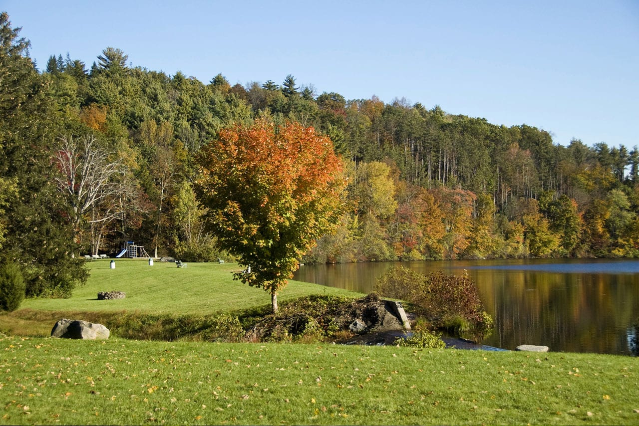 The-Lake-in-Autumn